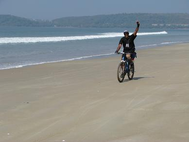 Cycling with Hostelling International in Goa, India