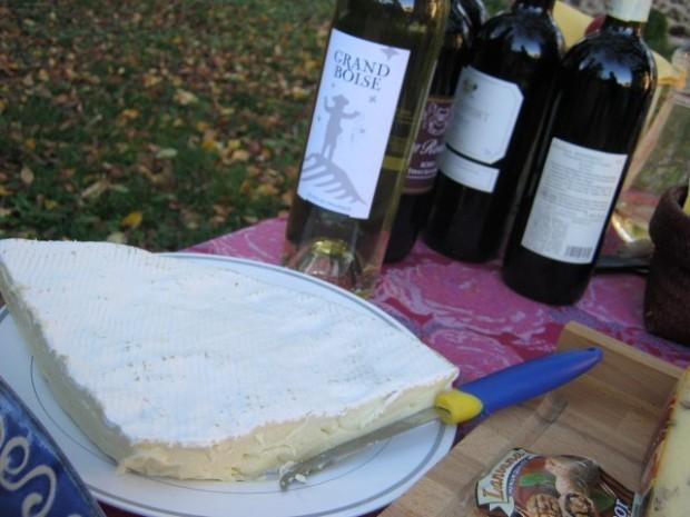 Lauzun France wine cheese